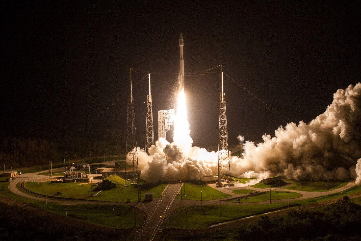 Atlas V launches NROL-52 Satelitte